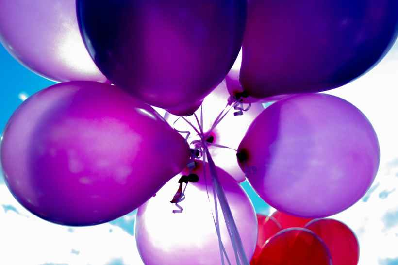 purple and red balloons